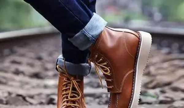 高帮鞋配什么裤子(男士鞋子搭配技巧)